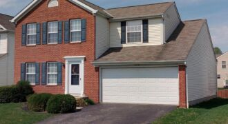 Spacious home in New Albany Schools!!