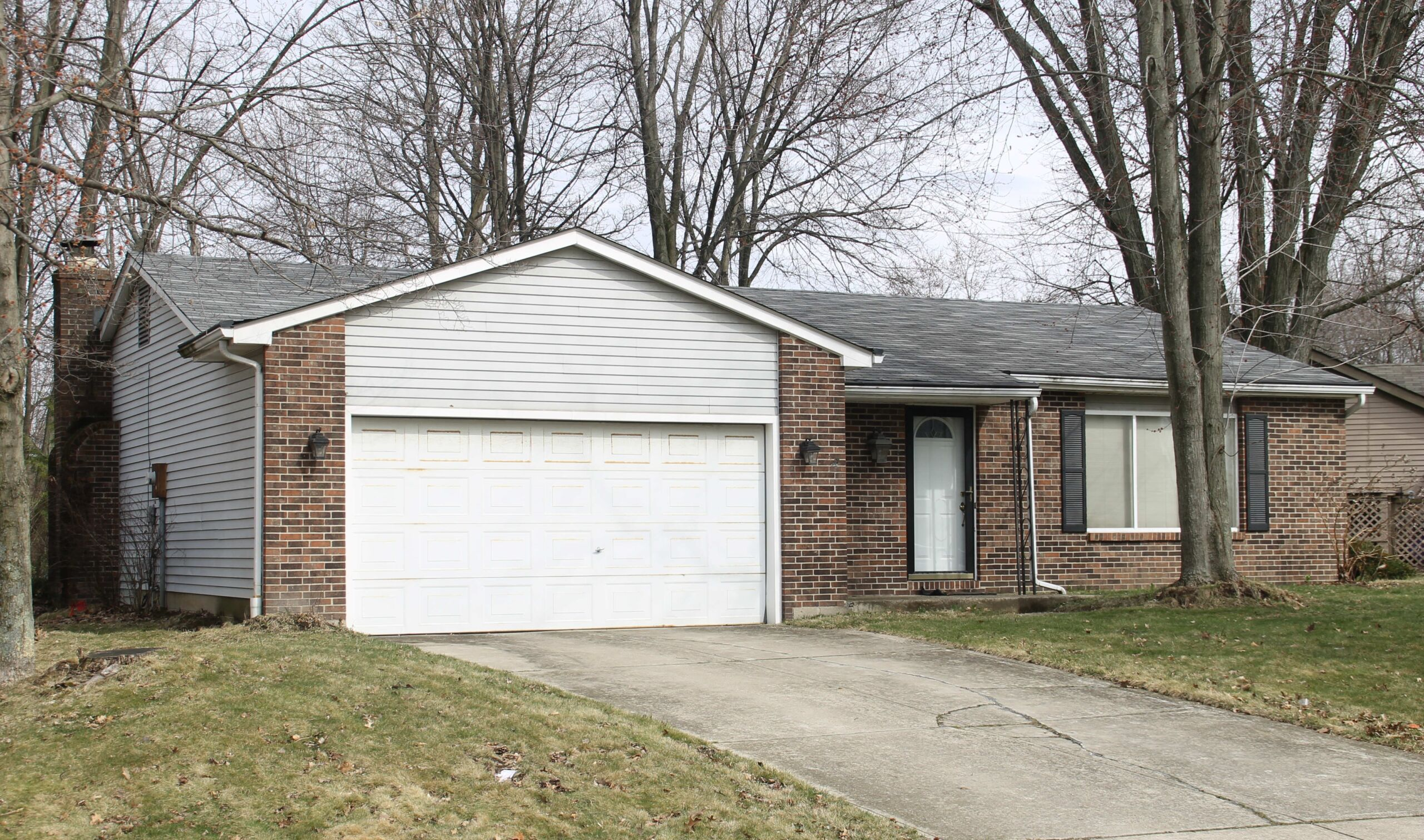 Spacious Westerville Ranch with 3 bedrooms, 1.5 baths, 2-car garage